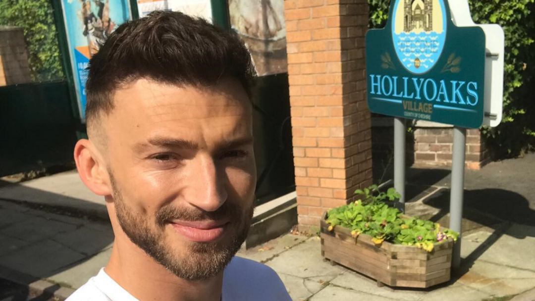 KSL CLINIC PATIENT JAKE QUICKENDEN IN HOLLYOAKS